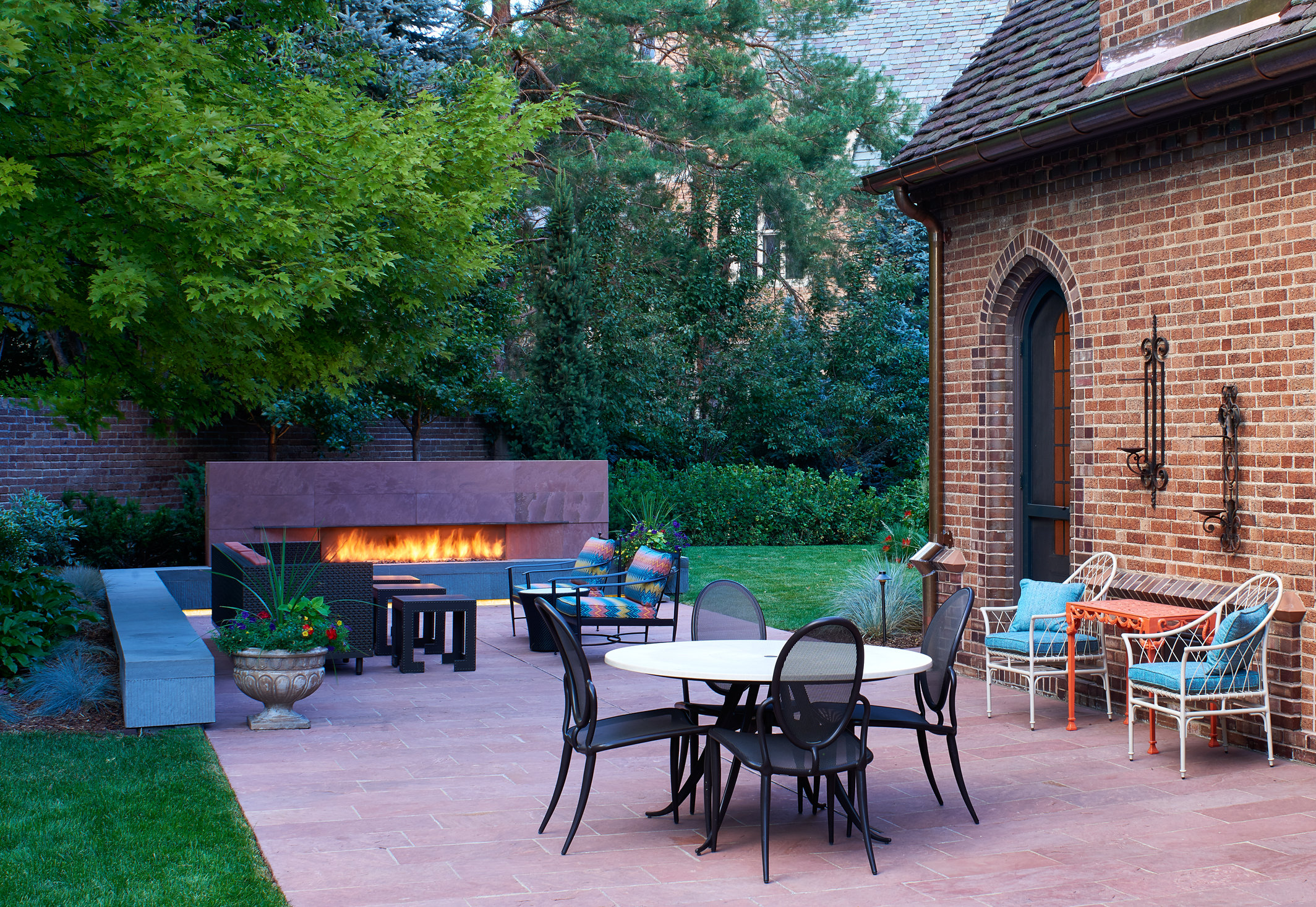 hawthorne-fireplace-patio-twilight-crop